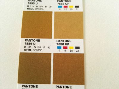 pantone7556U